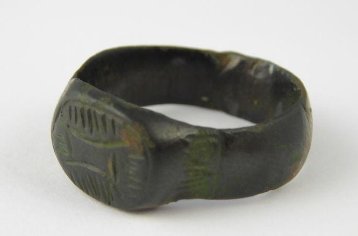 Ancient Heavy Roman Empire Antique Metal Signet Seal Ring Size Q - The Collectors Bag