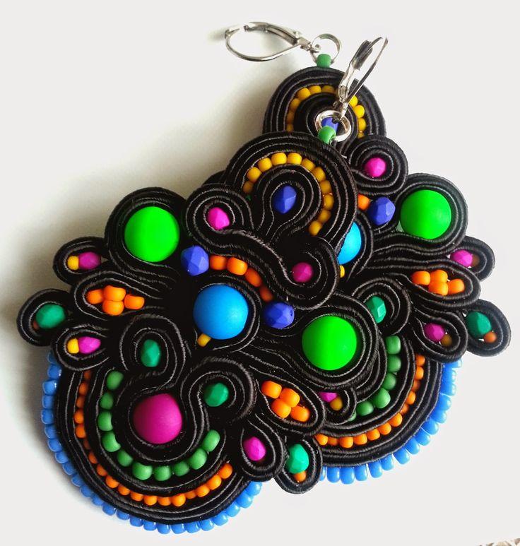 biżuteria soutache, haft koralikowy, torby z filcu: Fluo-mat
