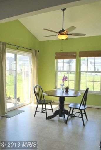 Green sunroom or morning room behr asparagus for the for Kitchen morning room designs