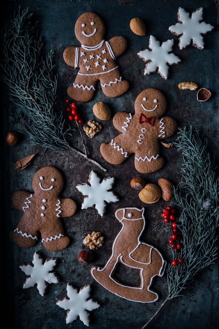 glutenfree chai snowflakes & glutenfree gingerbread cookies