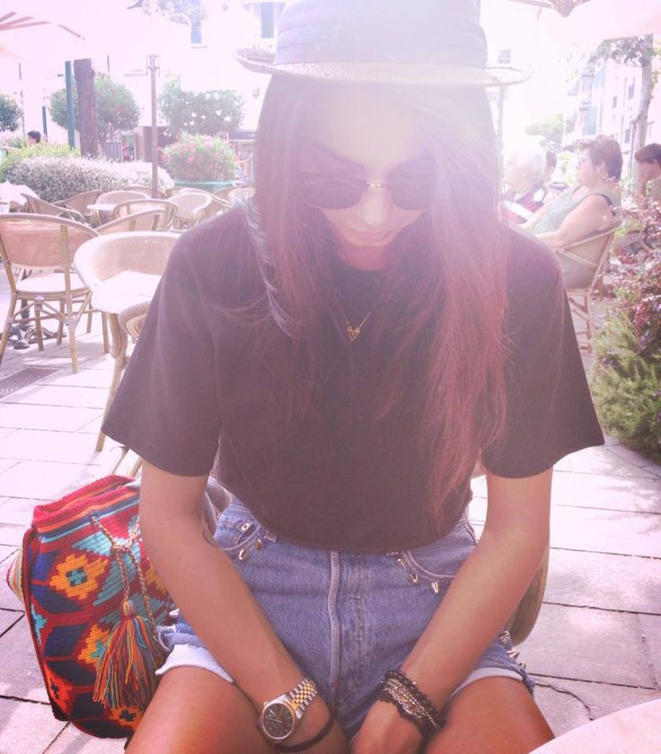 CHIARA BIASI...ONE OF THE TOP & MOST LOVED ITALIAN BLOGGER  FEATURING OUR MOCHILA SOPHIA FROM THE GREEK COLLECTION!<3