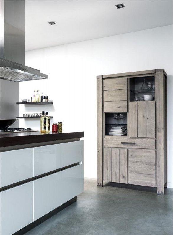 Keuken met hoge kast uit meubelcollectie Avola van Henders & Hazel - Vraag gratis het nieuwe woon- en inspiratieboek 2017 aan