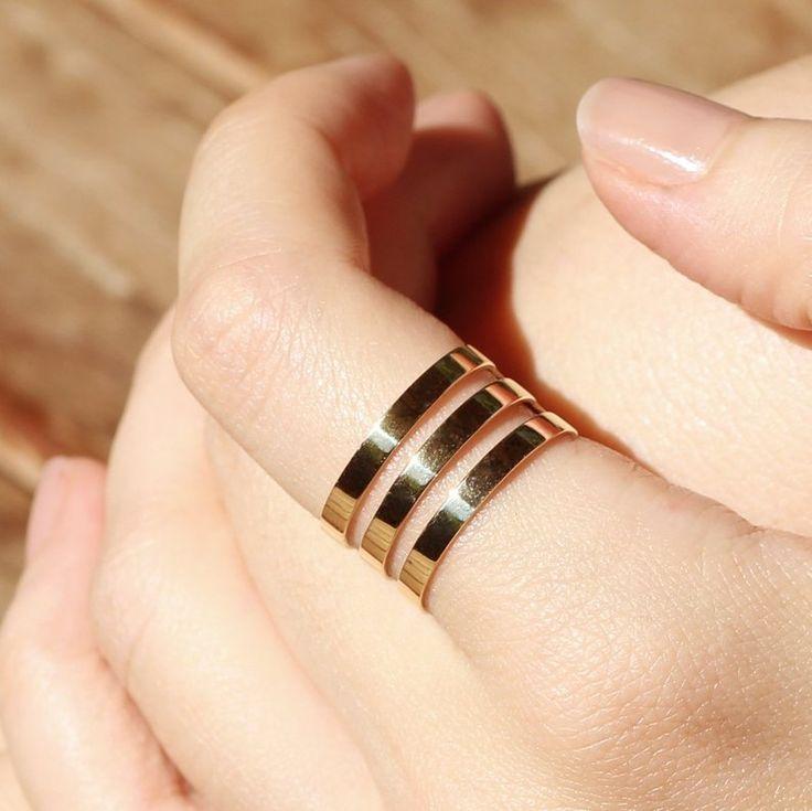 gold-triple-band-thumb-ring