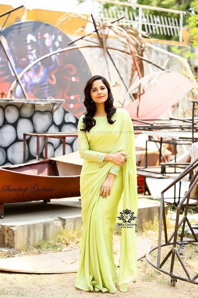 anasuya in plain saree with boat neck blouse – Boutiqueblouses.com