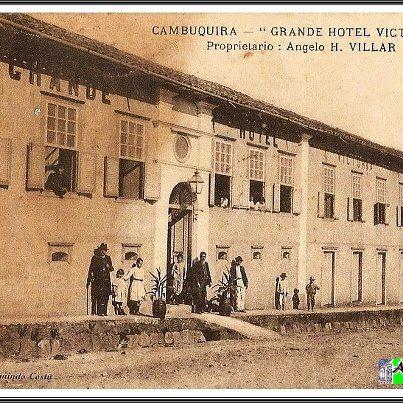 Imagem antiga do Hotel Victória, hoje Santos Dumont, em Cambuquira-mg
