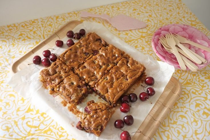 recette sans gluten de gâteau cerise et chocolat - glutenfree cherry and chocolat blondie