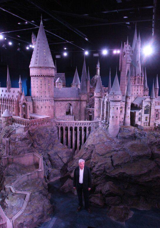 Čarodejnícka stredná škola Rokfort je prístupná verejnosti.