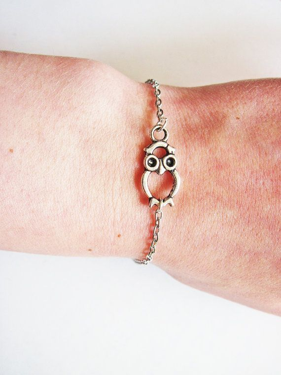 Owl bracelet. I feel like if I got this I would get sooooo many compliments on it!