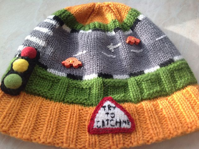 Ravelry: Traffic hat pattern by Tamara Tkachenko