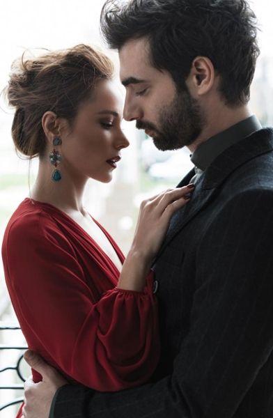 Poyraz Karayel'in aşıklarından yılbaşı özel çekimi!