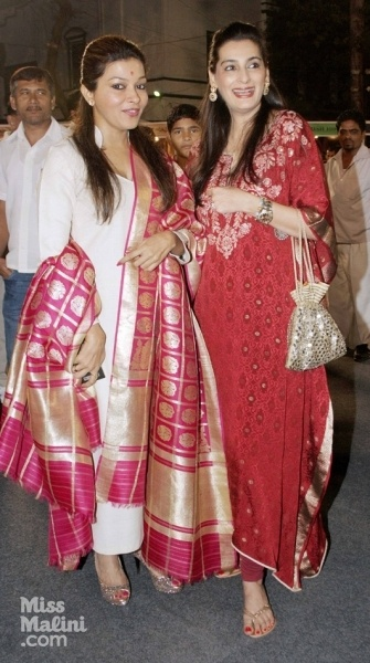 absolutely love the pink dupatta and the red pakistani kurta...