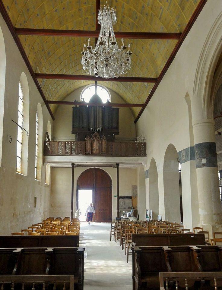 Écouen (95), église Saint-Acceul, nef, vue vers l'ouest 1 - Église Saint-Acceul d'Écouen — Wikipédia