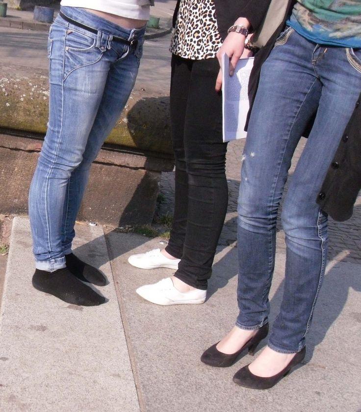 Women In Black Socks  Frau Ohne Schuhe - Woman Without -2868
