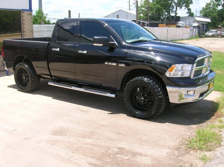 "black rims for 2012 ram 1500 | Dodge » 2011 DODGE RAM 1500 4X4. 2"" READYLIFT LEVEING KIT, 33"" NITTO ..."