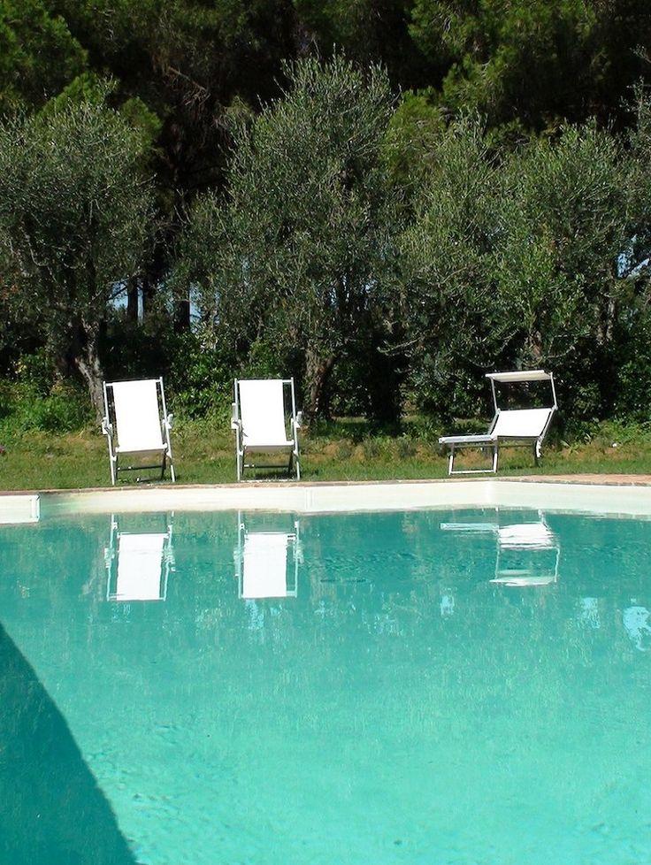 Die besten 25+ Villa mit pool Ideen auf Pinterest | Home designs ...