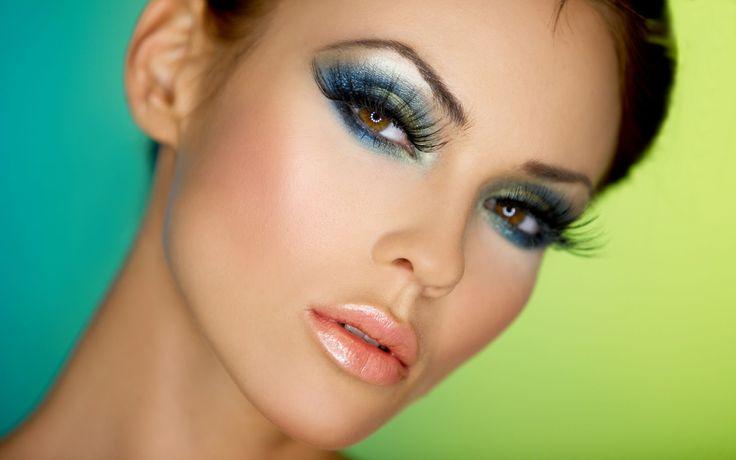 Seksi Bakışlara Sahip Olmak İçin Küçük Tüyolar... www.bayanlartuvaleti.com #güzellik #makyaj #bakım #kadın #kadınca #kadınblogu #yaşam