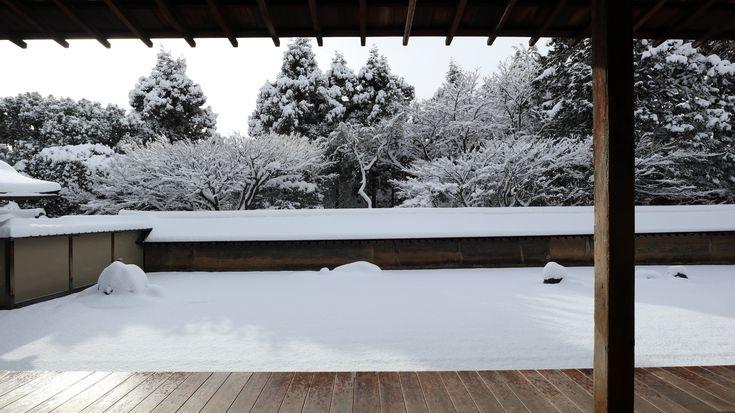 https://flic.kr/p/GGkgBw | Snowy morning 京都 龍安寺 | location :Ryoanji temple , Kyoto city , Kyoto Prefecture ,Japan