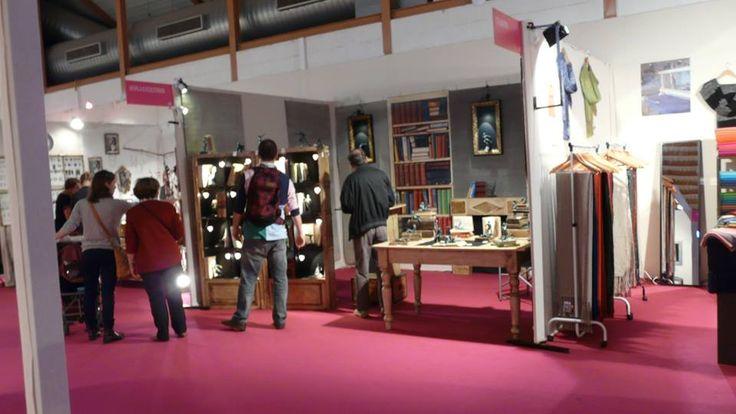 Stand de #EsculturasMorla y su #artesanía en #bronce en el Salón de los Creadores de Nimes