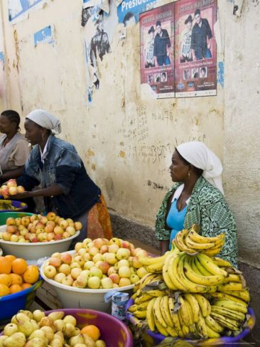 The African Market in the Old City of Praia on the Plateau, Praia, Santiago, Cape Verde Islands. Photo: RH Productions