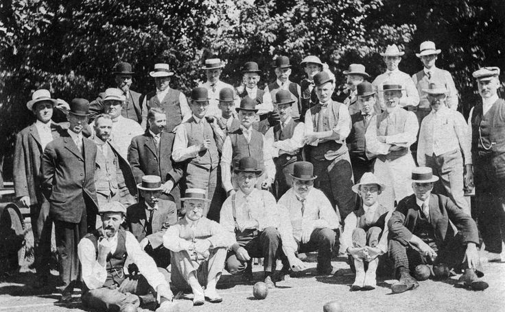 Waterloo Lawn Bowlers Club (1920). The club was located near Erb St. and Queen St. (later renamed Regina St.) in Waterloo, Ontario, Canada.