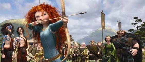 REBELLE est une grande aventure pleine d'action et de sentiment, portée par des personnages mémorables, dans la plus pure tradition Pixar.  Il est temps de découvrir une nouvelle légende née au cœur de l'Écosse mystérieuse, celle de l'impétueuse Merida (voix de Kelly Macdonald) qui, ayant défié les traditions, déchaîne le chaos sans l'avoir voulu. Avant qu'il ne soit trop tard, Merida va devoir découvrir le vrai sens du mot bravoure…