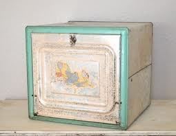Bread box/counter pie safe