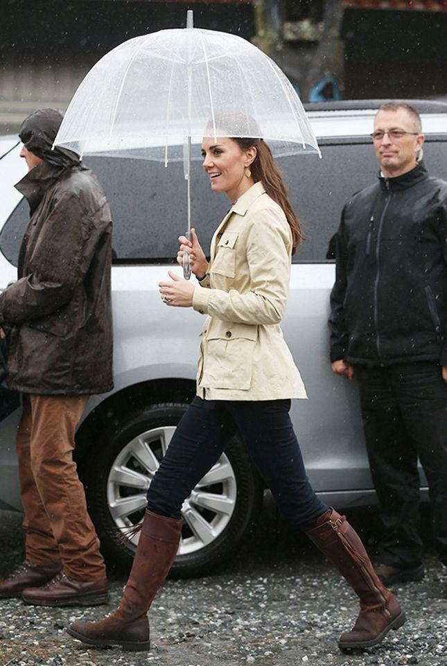 Кейт Миддлтон, принц Уильям, принцесса Шарлотта и принц Джордж во время визита в Канаду | Мода | Выход в свет | VOGUE