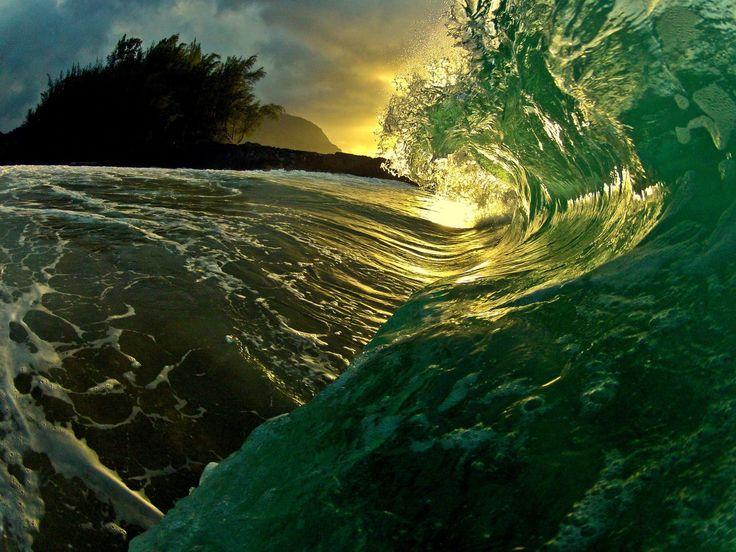 Hawaiin Shorebreak by Wyatt Shaw  via PARAFINA CO.