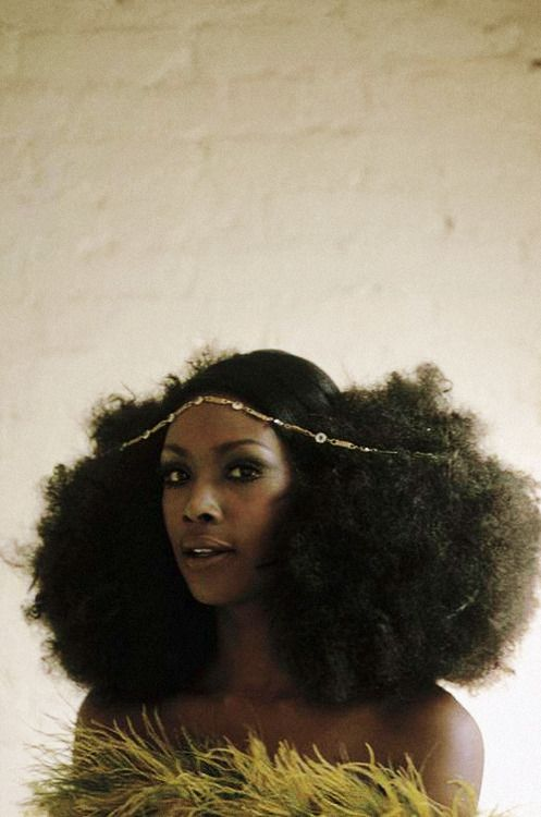 Arlene Hawkins photographed by Eve Arnold, 1968. Looks like yesterday. #FroPower