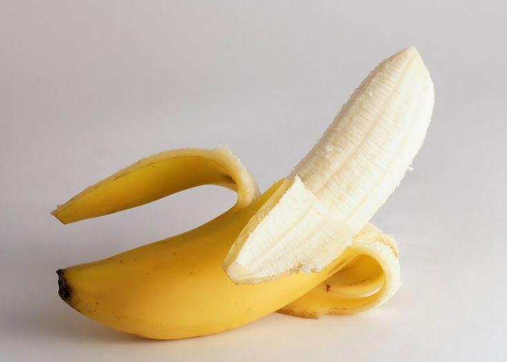 Fogfehérítő, ránctalanít és aranyér ellen is jó- ez a banánhéj