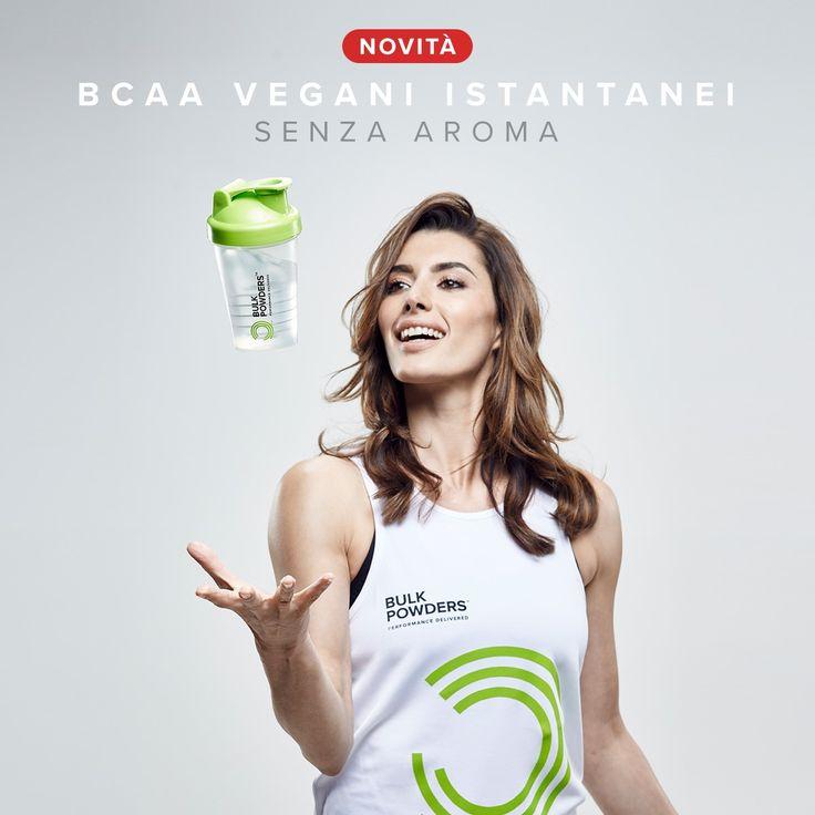 I BCAA VEGANI ISTANTANEI BULK POWDERS® sono una miscela semplice di amino acidi a catena ramificata in polvere sono adatti anche ai vegani. I BCAA VEGANI INSTANTANEI sono la scelta perfetta per l'allenamento o anche da sorseggiare durante il giorno, fornendo un apporto costante di tutti gli aminoacidi fondamentali. I BCAA Vegani Istantanei combinano Leucina, Isoleucina e Valina in un rapporto 2:1:1. BULK POWDERS® utilizzano solo il 100% di leucina, isoleucina e valina pure