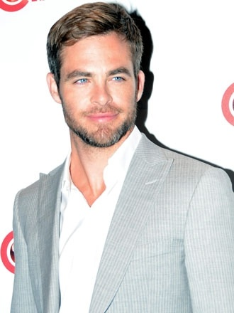 Hellooooo, Chris Pine...