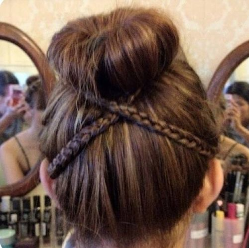 Criss cross barided back bun summer hairstyle ideas