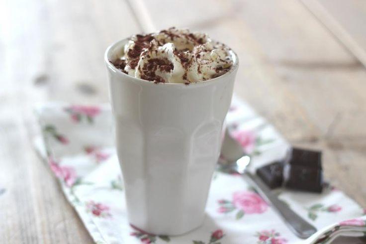 De allerlekkerste chocolademelk maak je zelf!