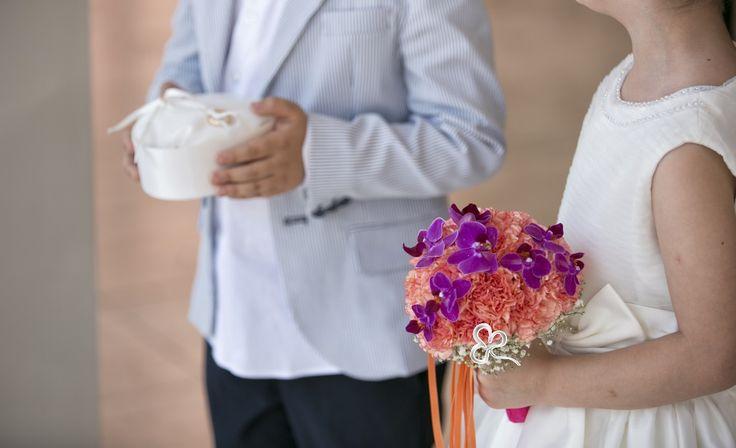 Flower girl e paggetti, con la loro presenza, caricano di emozione, divertimento, colore e romanticismo la cerimonia nuziale. I loro ruoli sono ben definiti