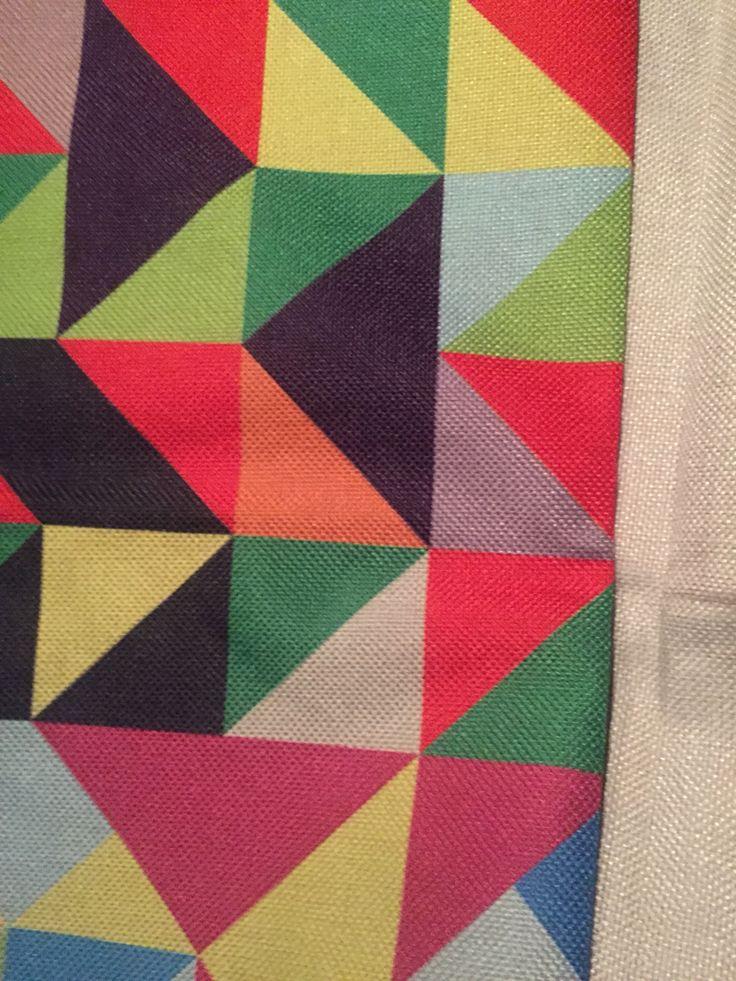 Cuadros de colores #cojin #colores #deco #vivos  Síguenos en instagram @rogodeco ... Comunícate con nosotros en los teléfonos  300-733-83-08 / 304-546-0064