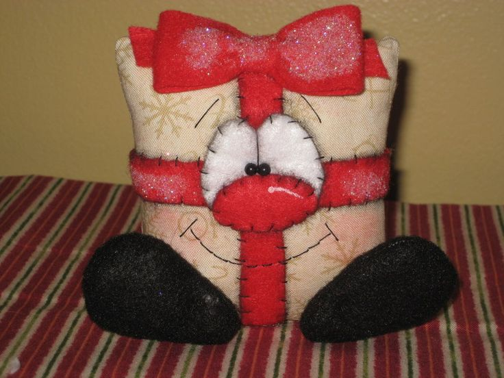 PRIMITIVE HC CHRISTMAS GIFT PACKAGE SHELF SITTER DOLL BOWL FILLER ORNIE  #Country