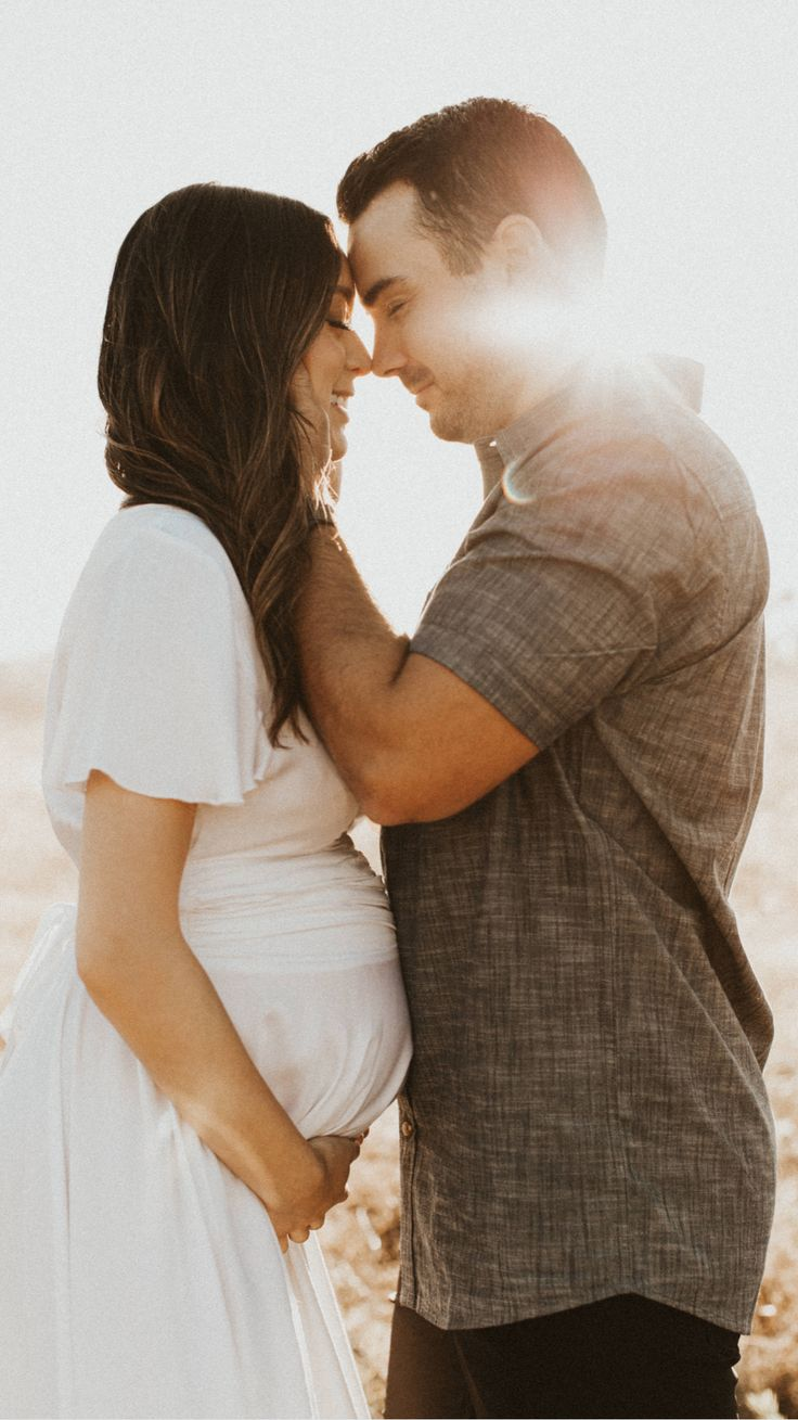 Couple Maternity Poses, Couple Pregnancy Photoshoot, Maternity Photo Outfits, Family Maternity Photos, Maternity Session, Maternity Pictures, Outdoor Maternity Photos, Pregnancy Photo Shoot, Pregnancy Announcement Photography
