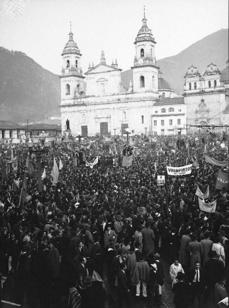 Protestas en la Plaza de Bolívar - I love Bogotá - Facebook