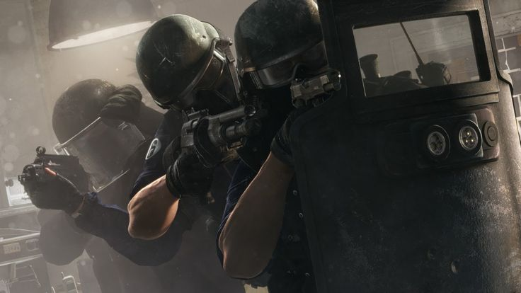 Rainbow Six Siege E3 2014 Gameplay World Premiere [US] This looks really good but i doubt anyone will play like this, depends onthe type of people you team up with.