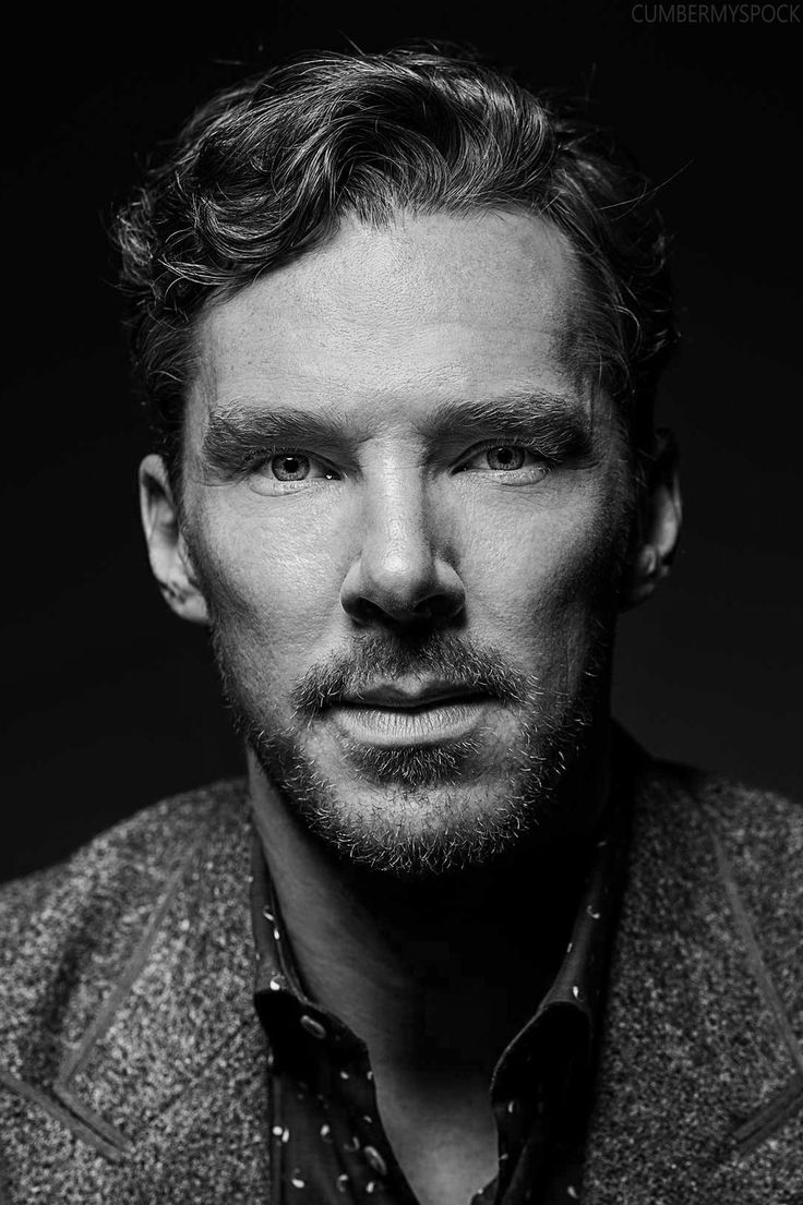 "Benedict Cumberbatch . ""iagreed immidiately to voice the dragon in Hobbits because of the sceen before my eyes ,as if it was yeasterday. I´m at home on vacation and my Dad reads for me bedtime story . Oh How he played all tolkiens parts  - what Smaug !!! He played for me alone , but HOW....!!! """