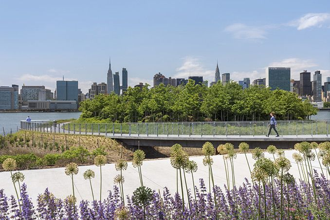 Hunter S Point South Phase Ii New York Usa Swa Balsley And Weiss Manfredi With Arup Landscapearchitecture Newyork W Park In New York Waterfront Park