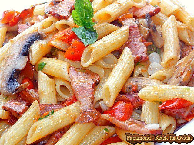 Paste cu bacon, ciuperci şi roşii cherry | Papamond