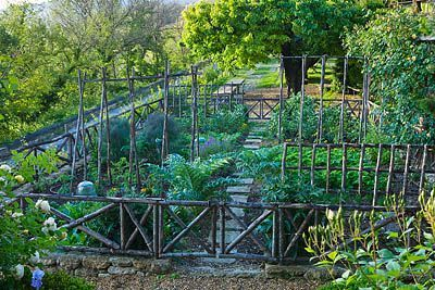 LA Carmejane, FRANCE: Edible Gardens, Gardens Group, Kitchens Gardens, France, Gardens Vegetables, Gardens Design, Beautiful Gardens, Backyard Gardens, Gardening Potager