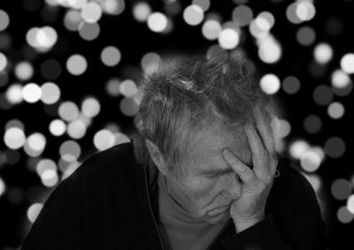 Voilà qui ne devrait pas faire plaisir aux retraités français qui ont déjà du mal à joindre les deux bouts : la commission des comptes de la Sécurité Sociale prévoit un nouveau gel des pensions pour octobre 2016. La faute au nouveau calcul de la revalorisation...