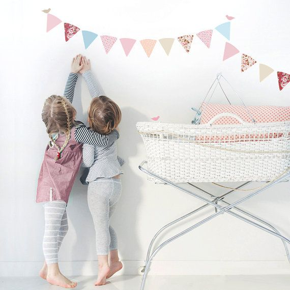 Simply delightful! Add a teaspoon of sweetness to your room with Schmooks decorative bunting. Soft floral hues complemented by vintage inspired