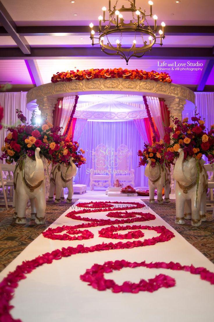 Indian wedding Mandap, wedding aisle, Suhaag Garden, Florida wedding decorator and designer