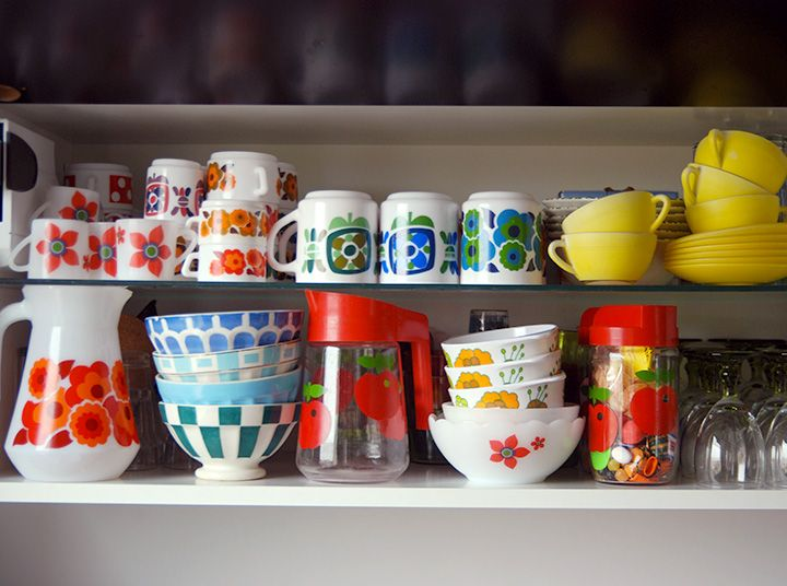 les 7 meilleures images du tableau arcopal vintage sur pinterest tasses fleur et pyrex. Black Bedroom Furniture Sets. Home Design Ideas