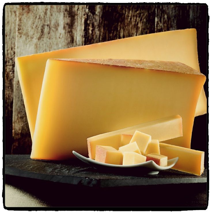 French Alps-Beaufort french cheese; Milk : cow Region : Savoie (French Alps) (queso frances).-)))