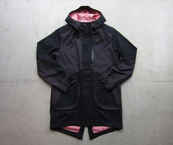 White Mountaineering (ホワイトマウンテニアリング)  Gore-Tex Ripstop Mods Coat